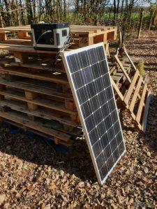 groupe électrogène solaire sur des palettes